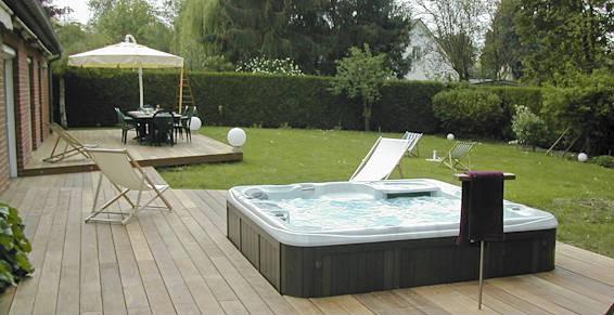 Pourquoi choisir un spa encastrable - Spa encastrable exterieur ...